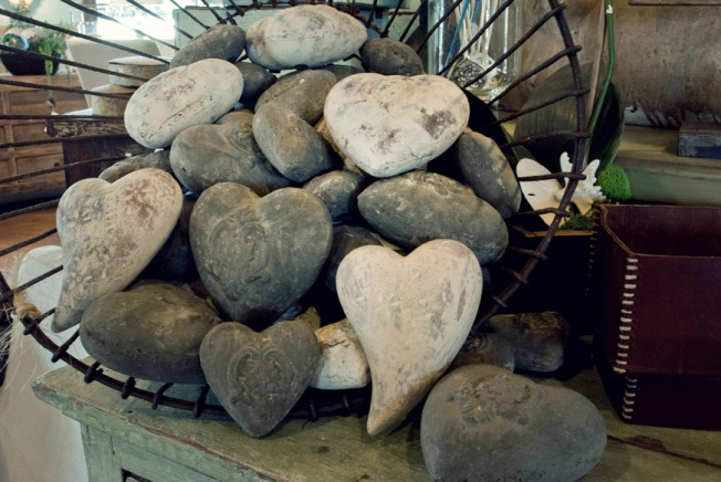 valentines-day-heart-rocks