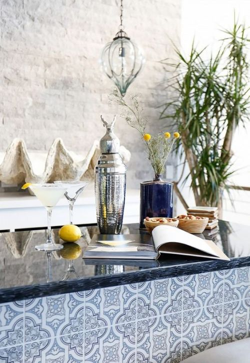 Beautiful coastal home bar perfect for entertaining and drinks